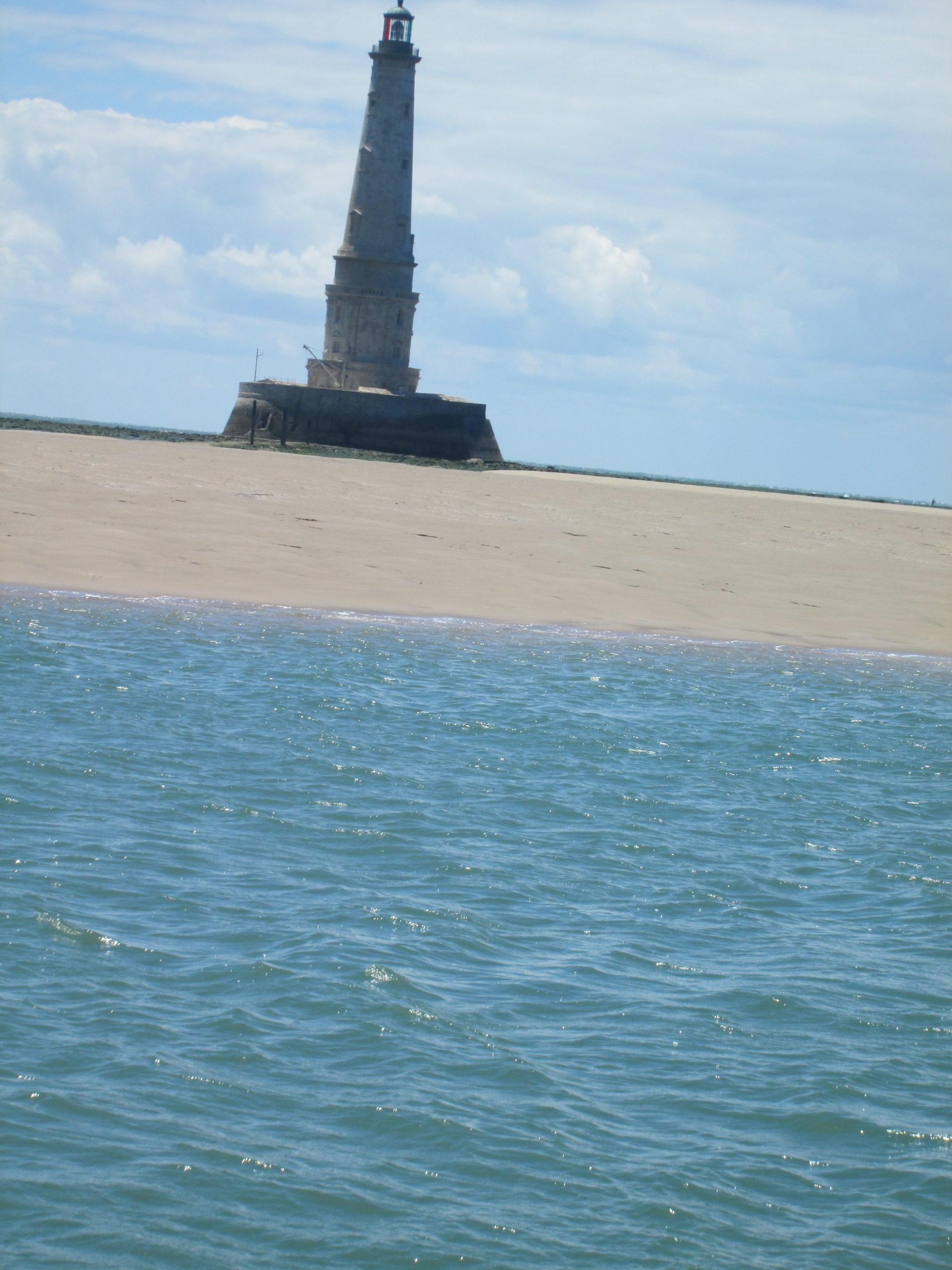 image 2 phare de cordouan