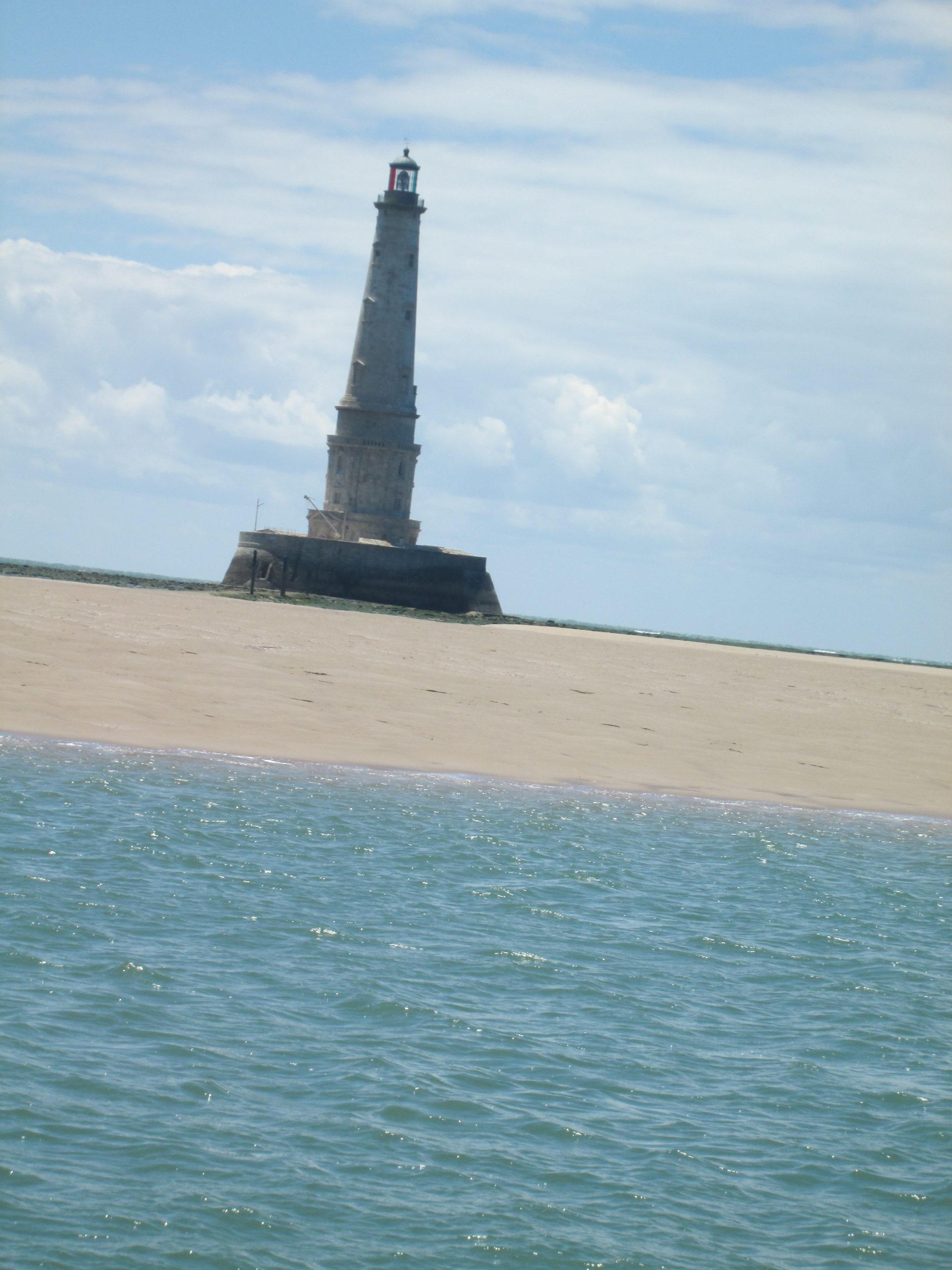 image 3 phare de cordouan